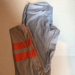 ALO yoga size M leggings